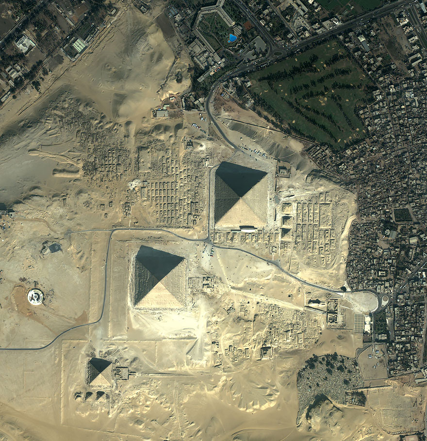 PIRAMIDE U GIZI  EGIPAT